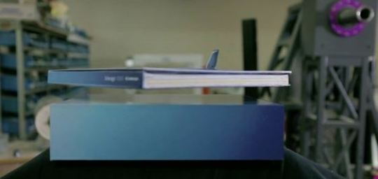 Embraer flying book