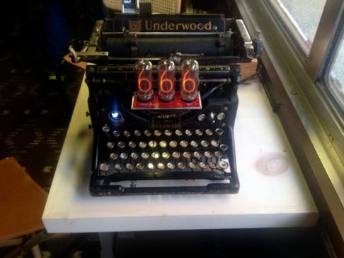 Typewriter Twitter