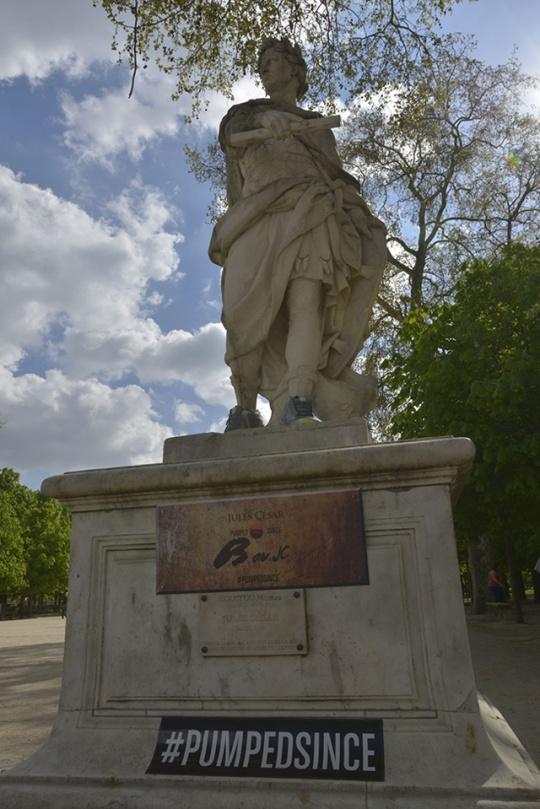 Escultura Reebok