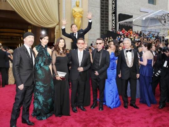 U2 photobomb