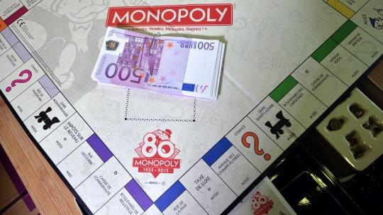 Dinero Monopoly